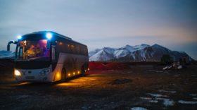 kelionė autobusu naktį